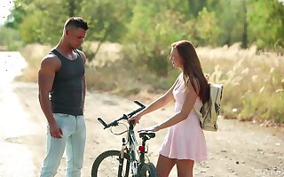 Young hottie Morgan Rodriguez meets a helpful man back along to wild