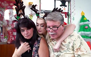 Santa gags this mature and fucks her pussy merciless