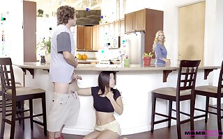 Kitchen romance when mommy joins a difficulty fun