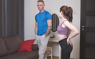 Scrawny amateur Kira Stone drops her yoga pants to ride a cock