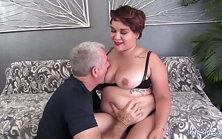 Fat Brunette Teen Raven XXX Pleasures an Older Man with Mouth and Pussy